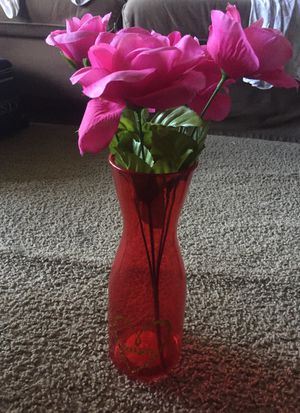 Vase (plastic)with flowers for Sale in Tampa, FL