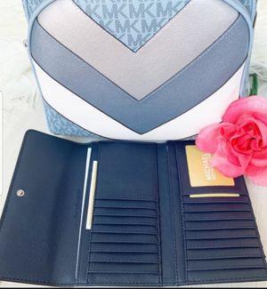Brand New Genuine Michael Kors Backpack & Wallet Set. Price is FIRM. for Sale in Las Vegas, NV
