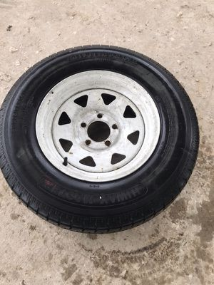 5 lug trailer tire for Sale in Channelview, TX