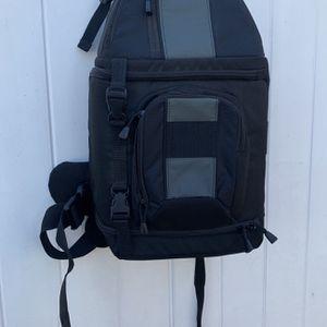 Brand New Lowepro Sling Bag / Camera One-Shoulder Sling Shot 202 AW for Sale in La Puente, CA