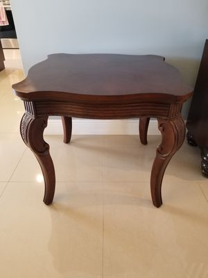 Solid wood end table for Sale in Lake Worth, FL
