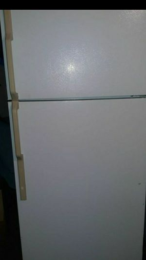 Refrigerator for Sale in Madera, CA