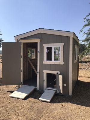 Chicken coop 8x8x.8 ft hight for Sale in Arroyo Grande, CA