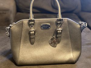 Michael kors handbag for Sale in Bensalem, PA