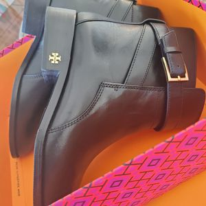 Tory Burch brand new boots for Sale in Los Angeles, CA