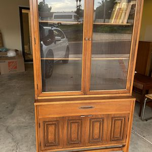 Vintage Mid Century Broyhill Sculptra China Cabinet / Hutch for Sale in Vista, CA