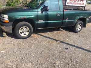 02 Chevy Silverado 4x4 for Sale in Pittsburgh, PA
