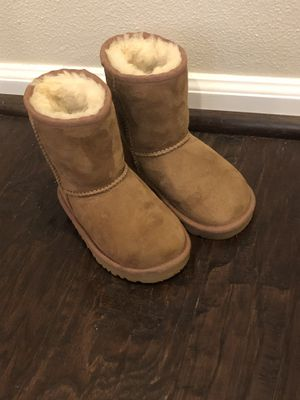 Adorable Toddler UGG boots size 7 for Sale in Mill Creek, WA