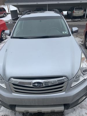 Subaru Outback limited edition 2012 for Sale in Lansing, MI