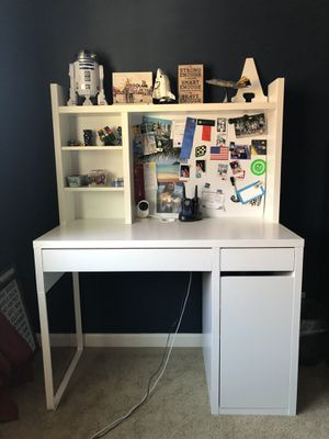 Ikea MICKE desk with add-on top unit for Sale in Renton, WA