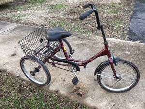 Bicycle three wheel for Sale in Nesbit, MS