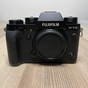 Fujifilm X-T2 Mirrorless Digital Camera with Accessories for Sale in Mission Viejo, CA