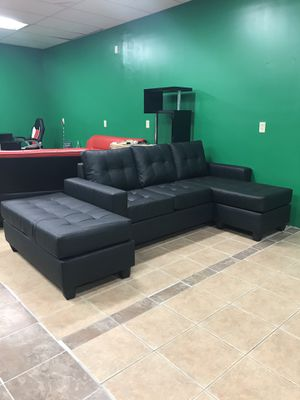 Brand new sectional sofa chaise with ottoman included > delivery or pick up 🚚 for Sale in Holliston, MA