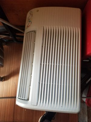 Ac/heater window unit for Sale in Cleveland, OH