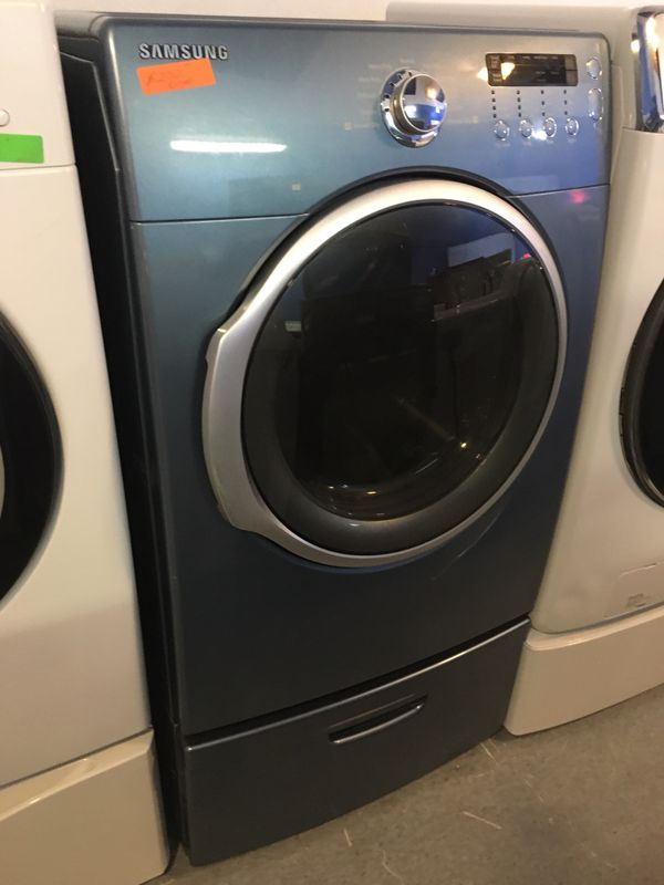 Samsung front load electric dryer in excellent condition