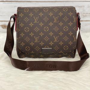 L❤️V Messenger Bag for Sale in Murrieta, CA