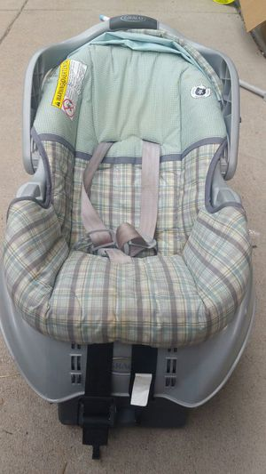 Graco car seat green and gray for Sale in Littleton, CO