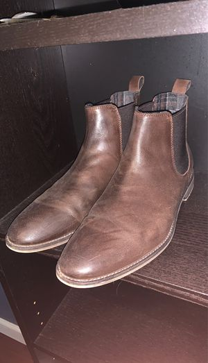 Men's Chelsea boots size 8.5 for Sale in Homestead, FL