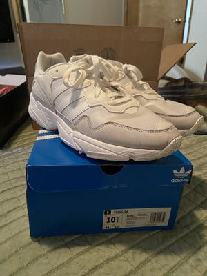 ADIDAS YUNG 96 SIZE 10.5 for Sale in Portland, OR