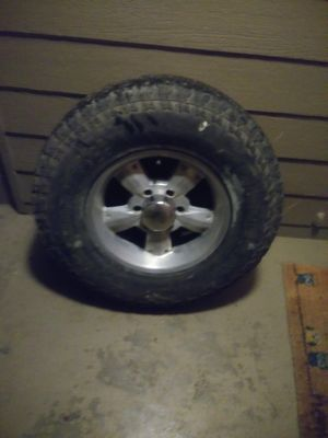 Chevy 6 lug 265/75R16 for Sale in Clackamas, OR