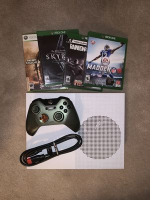 Xbox One S 1TB w/ Controller + Huge Game Bundle for Sale in Walnut Creek, CA