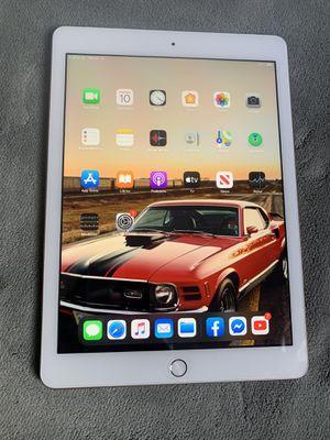 Apple iPad 5th Gen. A1823 32gb 9.7 Tablet WiFi + 4G Unlocked for Sale in Santa Cruz, CA