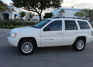 Asking $10OO_USD 04 SUV For Sale Clean Title V6 for Sale in Lexington, KY