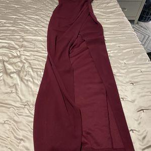 Windsor Burgundy Small Long Dress for Sale in El Mirage, AZ