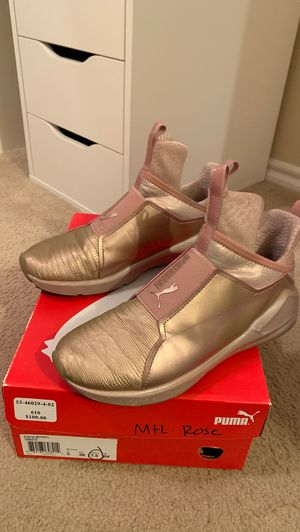 Selling women's puma rose gold 7.5 for Sale in Austin, TX
