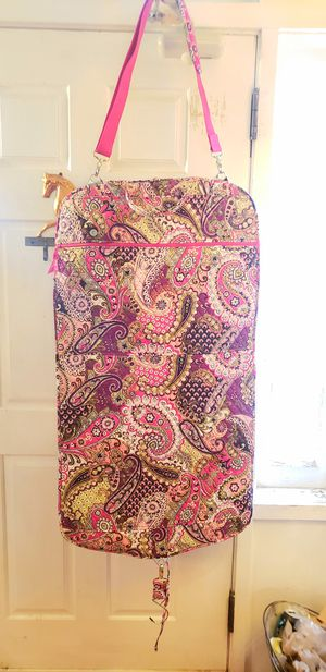 Gorgeous Vera Bradley Garment Hanging Travel Bag for Sale in Orlando, FL