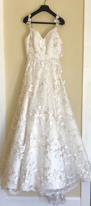 White floral lace wedding dress for Sale in Revere, MA