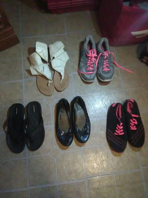 Women's shoes size 10, 1 pair of 11's for Sale in Winter Haven, FL