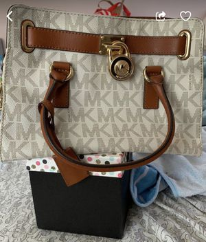 Michael Kors handbag for Sale in MONTGOMRY VLG, MD
