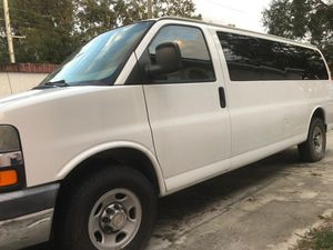 2010 chevy express 3500 for Sale in Tampa, FL