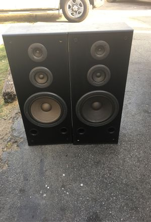 """Technics speakers 12"""" only one have front screen for Sale in Buena Park, CA"""