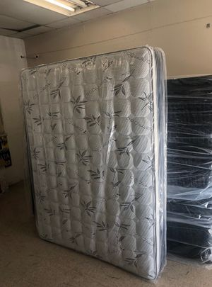 queen matttress with boxspring for Sale in Pomona, CA