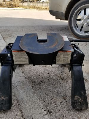 5th wheel hitch for Sale in Abilene, TX