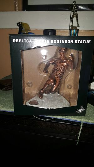 Jackie robinson statue dodgers for Sale in Los Angeles, CA