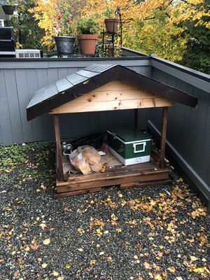 Dog House 4'x4' for Sale in Bothell, WA