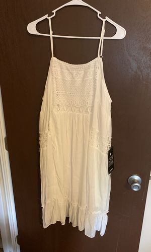 Brand new white summer dresses. Plus size for Sale in Bedford Heights, OH