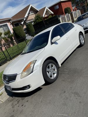Year 2008 Nissan Altima clean title 136,000 miles for Sale in Los Angeles, CA