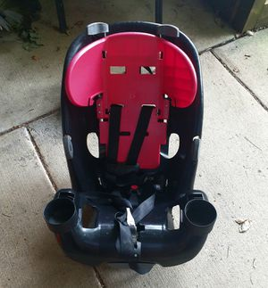 Safety 1ˢᵗ® Grow and Go™ 3-in-1 Convertible Car Seat - Item No CC138-DWKAL for Sale in Philadelphia, PA