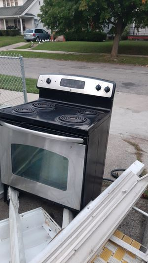 Electric stove, will deliver if in Toledo for Sale in Toledo, OH
