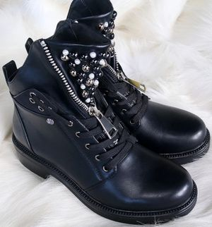 Women fashion boots for Sale in Philadelphia, PA