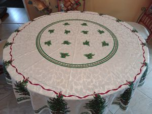 Christmas Tablecloth & Napkins for 36 or 48-inch Round Table for Sale in Fort Lauderdale, FL