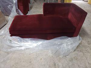 Burgandy chaise sofa for Sale in Miramar, FL