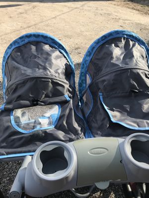 Double stroller. Like new. Used a handful of times. for Sale in Trenton, IL