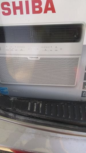 8000 BTU AC window unit Toshiba for Sale in Phoenix, AZ