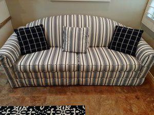 Full size camel back sleeper sofa for Sale in Palm Desert, CA