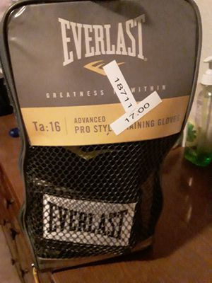 EverLast Pro Training Boxing Gloves for Sale in Houston, TX